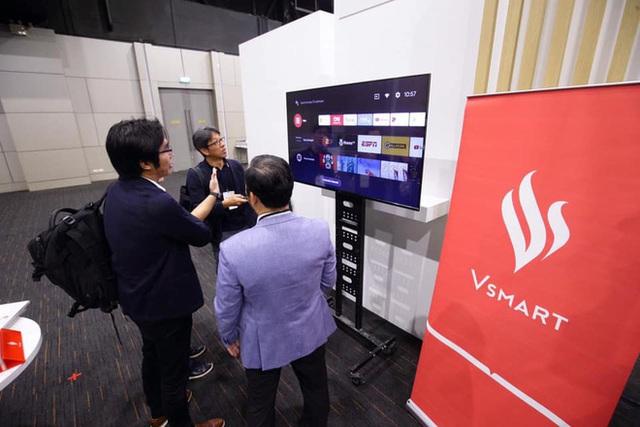 TV Vsmart lộ ảnh thực tế: 55 inch viền mỏng, chạy Android TV, làm bởi người Việt - Ảnh 3.