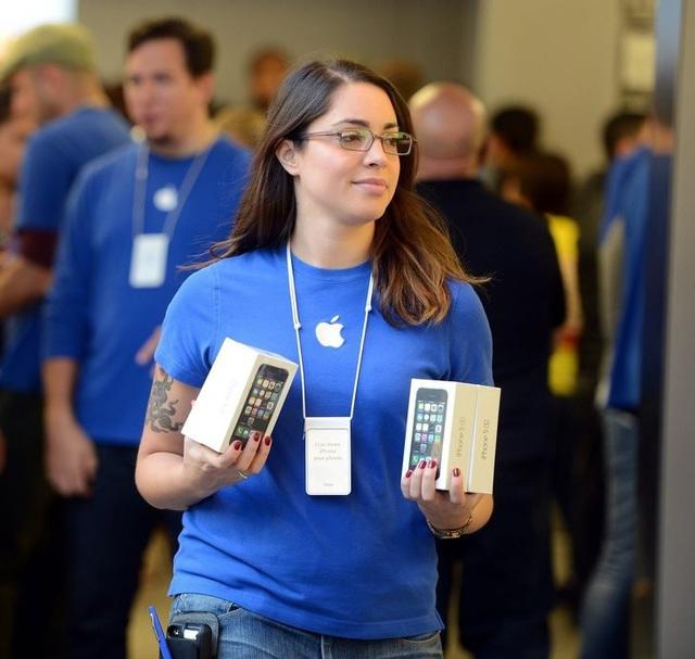 """10 """"mánh lới"""" bán hàng bậc thầy của Apple: Đọc xong mới biết vì sao Apple lại thành công đến vậy - Ảnh 1."""
