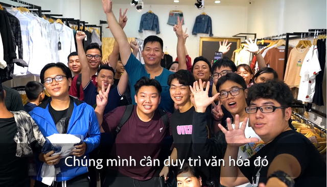 Chơi lớn mua hết cửa hàng quần áo tặng miễn phí cho người Việt, Nas Daily và Pew Pew nhận về toàn chỉ trích: Giả tạo, kịch bản dựng sẵn - Ảnh 3.