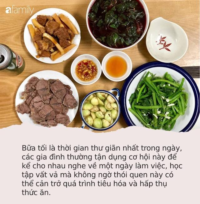7 thói xấu trong bữa ăn khiến con người chết sớm hơn, điều số 2 các gia đình Việt biết hại nhưng không bỏ được - Ảnh 2.