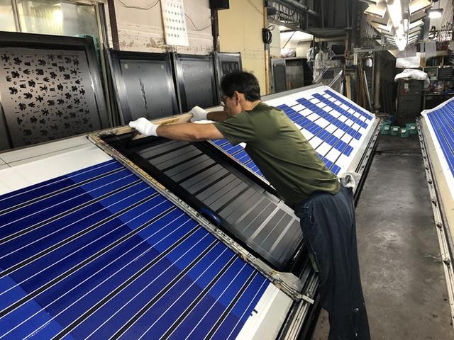 Tình yêu vô hạn của người Nhật với những chiếc khăn tay: Đàn ông cũng phải mang ít nhất 3 chiếc, một lau tay, một lau miệng, một để lau nước mắt - Ảnh 11.