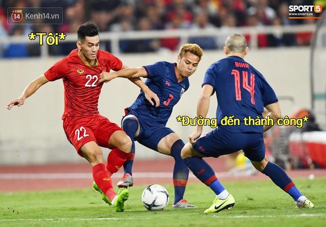 Loạt ảnh chế màn tranh chấp căng thẳng giữa các cầu thủ Việt Nam và Thái Lan: Lẩu gì mà cay cay thế xin thưa rằng lẩu Thái - Ảnh 2.