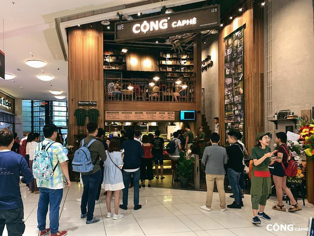 """cộng cà phê - photo 5 1572704166485289575087 - Cộng Cà phê tiếp tục """"xuất ngoại"""": chi nhánh đầu tiên tại Malaysia vừa khai trương khách đã đến đông nghịt"""