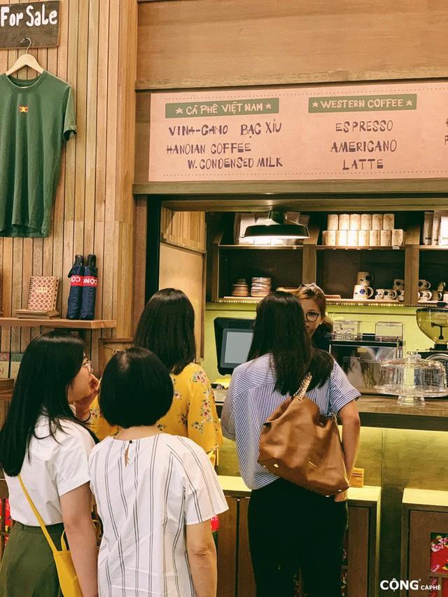 """cộng cà phê - photo 7 15727041664881587606095 - Cộng Cà phê tiếp tục """"xuất ngoại"""": chi nhánh đầu tiên tại Malaysia vừa khai trương khách đã đến đông nghịt"""