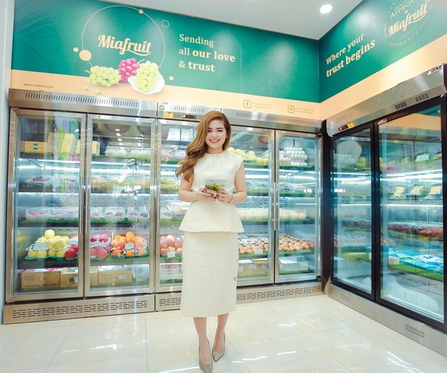 """""""Con đường tơ lụa"""" """"bán hàng cho chính mình"""" của bà chủ Mia Fruit với dịch vụ bảo hành trái cây cao cấp - Ảnh 1."""