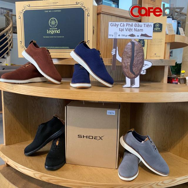 Trung Nguyên hợp tác với startup do Shark Hưng đỡ đầu để bán… giày: Sản phẩm làm từ ly nhựa tái chế, bã cà phê, và đặc biệt không thấm nước - Ảnh 1.