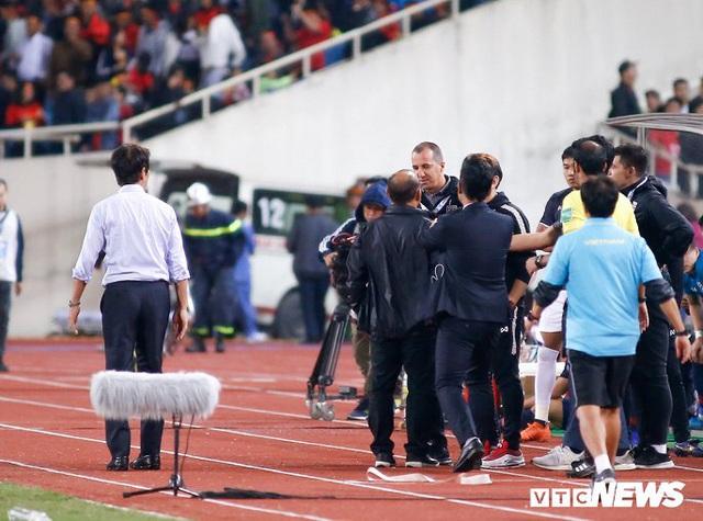 Trợ lý HLV Thái Lan xúc phạm HLV Park Hang Seo, VFF kiến nghị lên AFC - Ảnh 1.