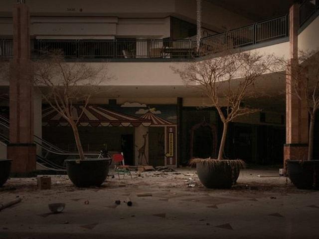 Loạt trung tâm thương mại sang chảnh bị bỏ hoang khắp nước Mỹ - Ảnh 5.