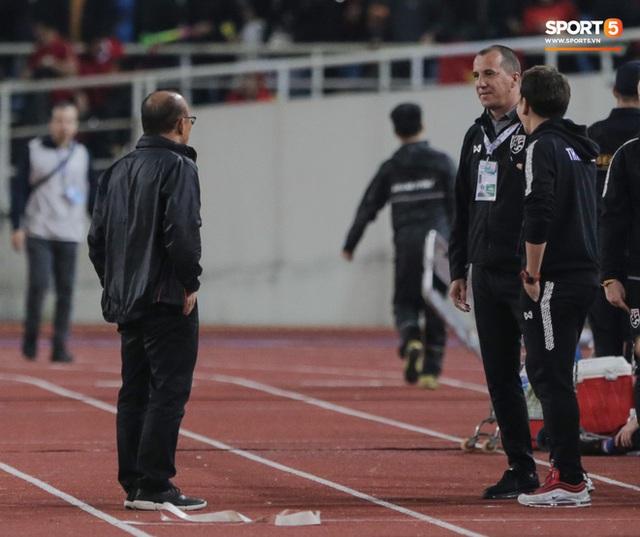 Trợ lý tuyển Thái Lan xin lỗi rất nhiều người, trừ HLV Park Hang-seo, đối mặt án phạt cực nặng nếu có tội - Ảnh 5.