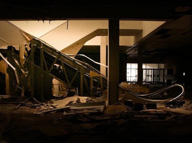 Loạt trung tâm thương mại sang chảnh bị bỏ hoang khắp nước Mỹ - Ảnh 8.