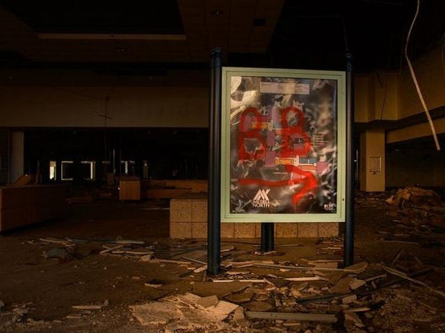 Loạt trung tâm thương mại sang chảnh bị bỏ hoang khắp nước Mỹ - Ảnh 10.