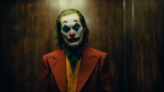 Những hành động điên rồ nhất trong Joker đều là phút ngẫu hứng ngoài kịch bản của Joaquin Phoenix, có cảnh nặng đô đến mức không được lên sóng - Ảnh 1.