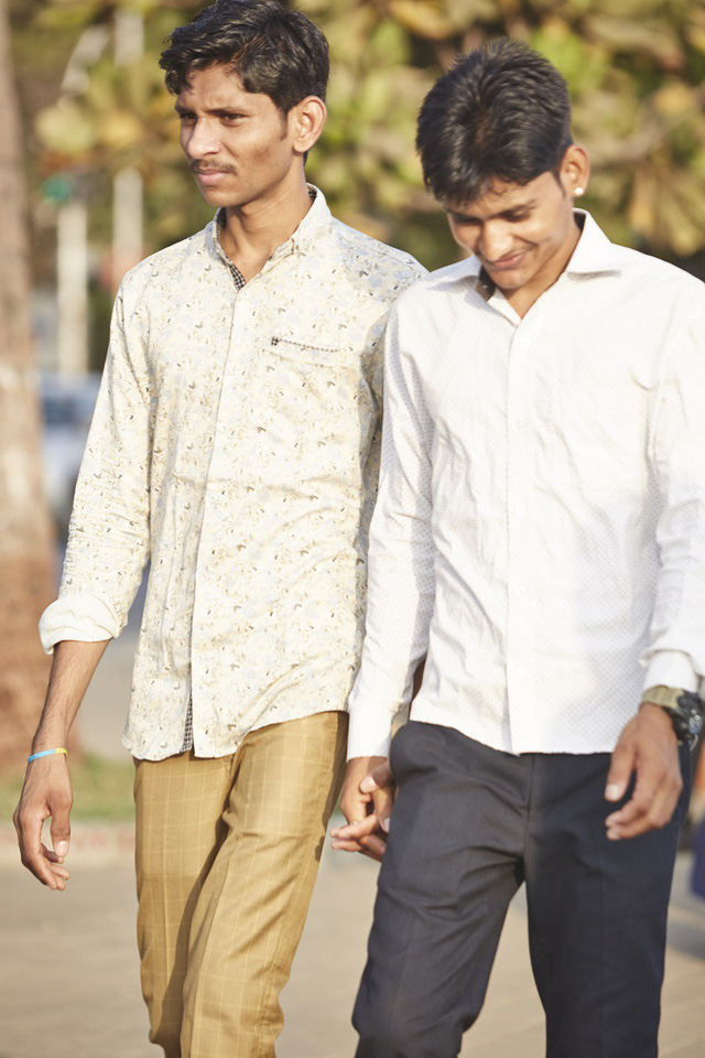 Vì sao đàn ông Ấn Độ thường nắm tay nhau mỗi khi ra đường? - Ảnh 16.