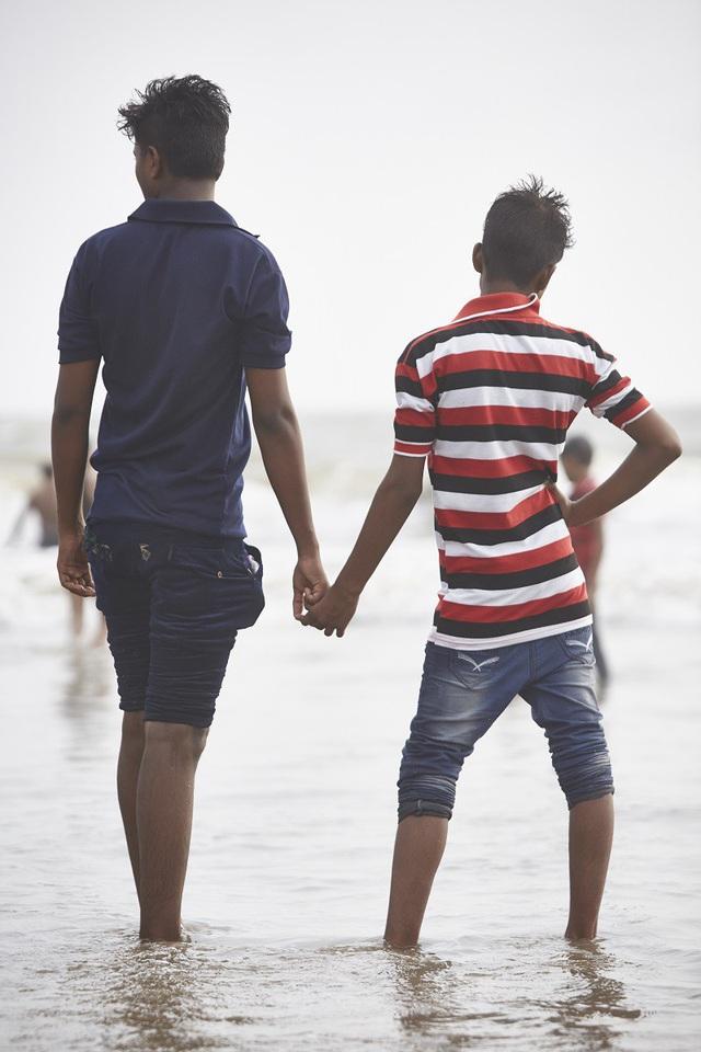 Vì sao đàn ông Ấn Độ thường nắm tay nhau mỗi khi ra đường? - Ảnh 4.