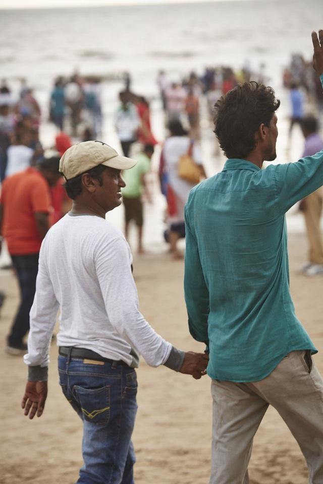 Vì sao đàn ông Ấn Độ thường nắm tay nhau mỗi khi ra đường? - Ảnh 7.