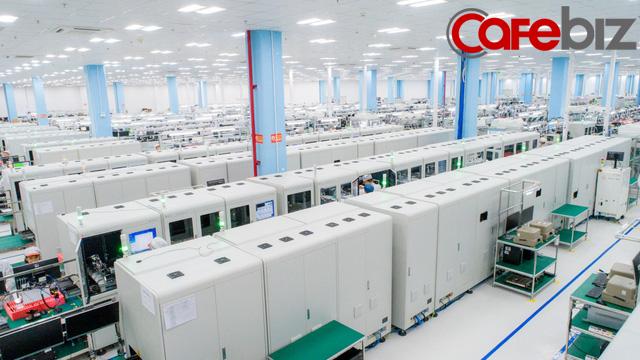 [Inside Factory] Cận cảnh dây chuyền sản xuất bên trong Tổ hợp nhà máy Vsmart, trung tâm sản xuất các thiết bị công nghệ hiện đại hàng đầu của Vingroup - Ảnh 2.