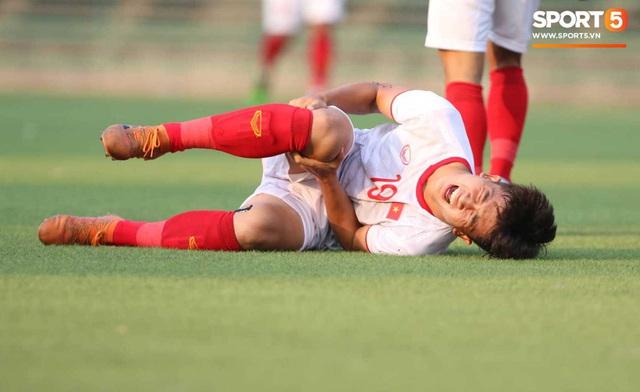 U22 Việt Nam đối diện với nhiều nguy cơ ảnh hưởng sức khỏe khi thi đấu trên mặt cỏ nhân tạo: Không chỉ là chấn thương cơ bắp, đó còn là những vấn đề ảnh hưởng đến tim mạch - Ảnh 8.