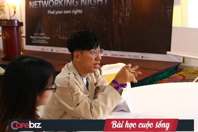 """Chuyên gia Coca Cola, J&T Express Việt Nam: Sinh viên mới ra trường nên tập trung vào sự nghiệp, thế giới đang nói đến """"cuộc sống đan xen"""" chứ không phải """"cuộc sống cân bằng"""" nữa - Ảnh 2."""