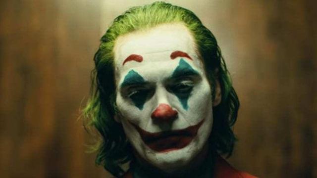 Joaquin Phoenix cực kỳ hài lòng khi cái kết của Joker khiến fan hâm mộ tranh cãi nảy lửa, với những giả thuyết điên rồ không tưởng - Ảnh 1.
