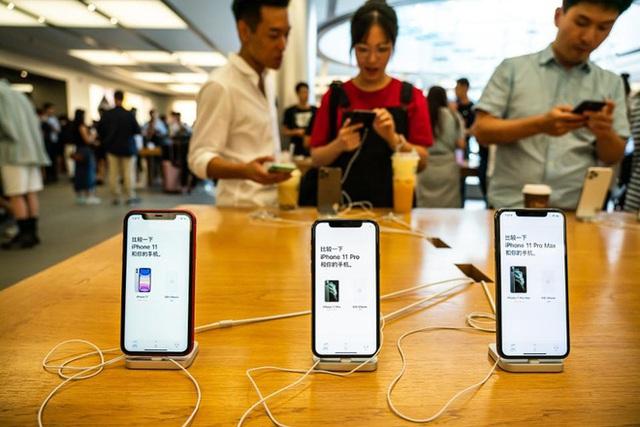 Chủ tịch hãng xe sang Porsche tiết lộ sốc về giới nhà giàu Trung Quốc: 80% dùng iPhone, nhưng một nửa muốn chuyển sang Android - Ảnh 4.