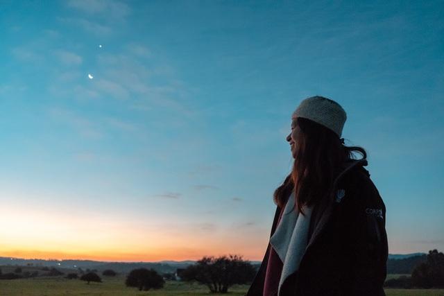 24 tuổi đi 24 quốc gia, vali luôn chỉ nặng 7kg: Câu chuyện của cô gái theo đuổi lối sống tối giản mang ước mơ lớn - Ảnh 5.