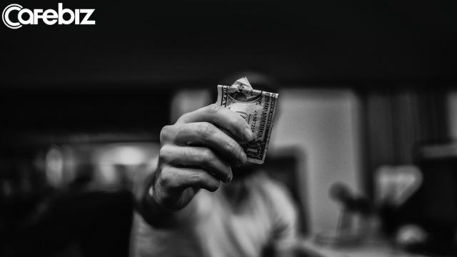 Gửi những người lãng phí tuổi thanh xuân của mình chỉ để bán thân cho đồng tiền: Tiền bạc là vũ khí, xin đừng biến chúng thành mục đích sống - Ảnh 2.