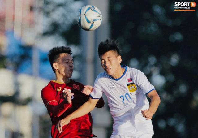Cầu thủ U22 Việt Nam tái hiện màn ăn mừng ru con của huyền thoại Brazil tại World Cup, xứng đáng là ông bố của năm - Ảnh 1.