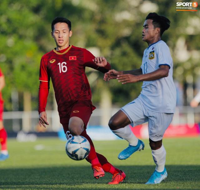Cầu thủ U22 Việt Nam tái hiện màn ăn mừng ru con của huyền thoại Brazil tại World Cup, xứng đáng là ông bố của năm - Ảnh 2.