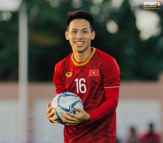 Cầu thủ U22 Việt Nam tái hiện màn ăn mừng ru con của huyền thoại Brazil tại World Cup, xứng đáng là ông bố của năm - Ảnh 7.