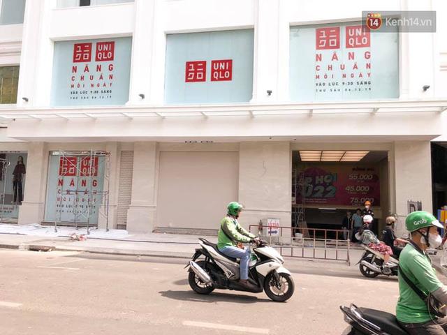 HOT: Store Uniqlo Việt Nam chính thức tháo bỏ phông bạt, hé lộ không gian ấn tượng bên trong do KTS Võ Trọng Nghĩa thiết kế - Ảnh 4.