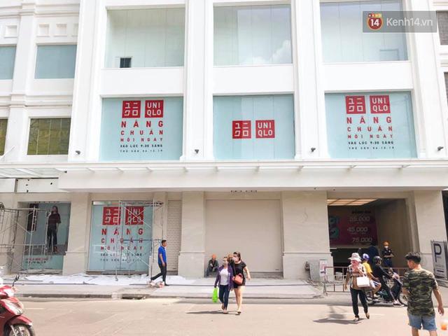 HOT: Store Uniqlo Việt Nam chính thức tháo bỏ phông bạt, hé lộ không gian ấn tượng bên trong do KTS Võ Trọng Nghĩa thiết kế - Ảnh 5.