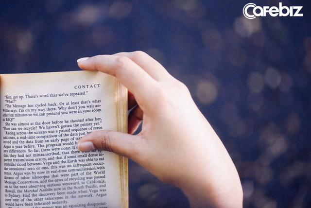 Đọc sách cũng phải biết lượng sức: Không cần đọc sách lấy thành tích, chỉ cần mỗi tháng một cuốn, bạn sẽ thấy tư duy của mình thay đổi  - Ảnh 1.