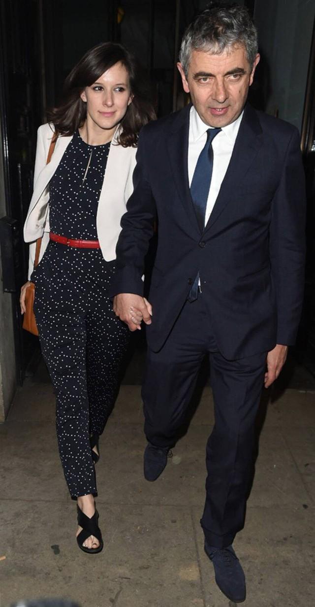 Mr Bean: Phản bội vợ theo tình trẻ đáng tuổi con, hết thời, già nua ở tuổi U70 - Ảnh 3.