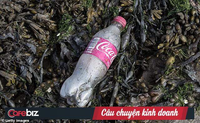 Coca-Cola là thủ phạm gây ô nhiễm rác thải nhựa nhiều nhất thế giới, nhiều hơn tổng rác nhựa của Nestle, PepsiCo và Mondelez cộng lại - Ảnh 2.