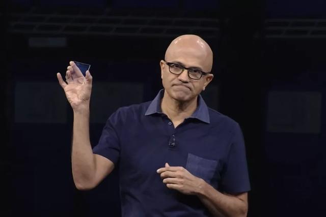 microsoft - photo 1 1573022337695633780358 - Microsoft lưu trữ thành công bộ phim Superman vào một miếng kính, mở ra cánh cửa tương lai cho ngành bảo quản dữ liệu