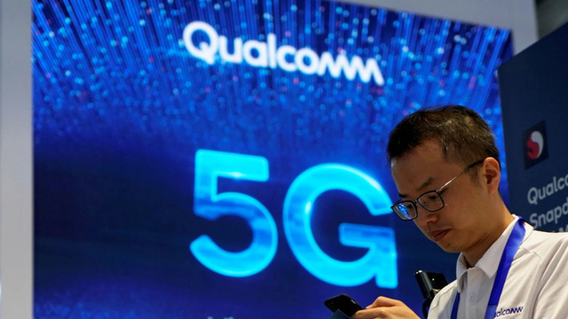 Không bán hàng cho Huawei, Qualcomm vẫn có quý kinh doanh vượt mức dự báo - Ảnh 1.