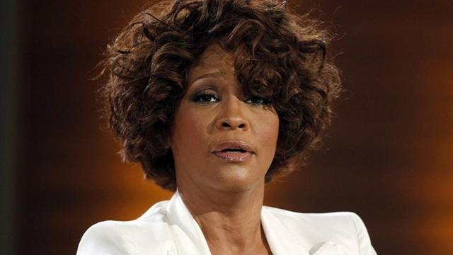 Chấn động: Gia đình và người tình của Whitney Houston xác nhận nữ danh ca là người đồng tính - Ảnh 2.