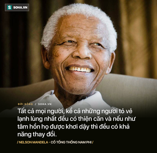 Trước khi rời đảo, viên sĩ quan hung ác nhất nói với Nelson Mandela 1 câu khiến ông kinh ngạc - Ảnh 2.