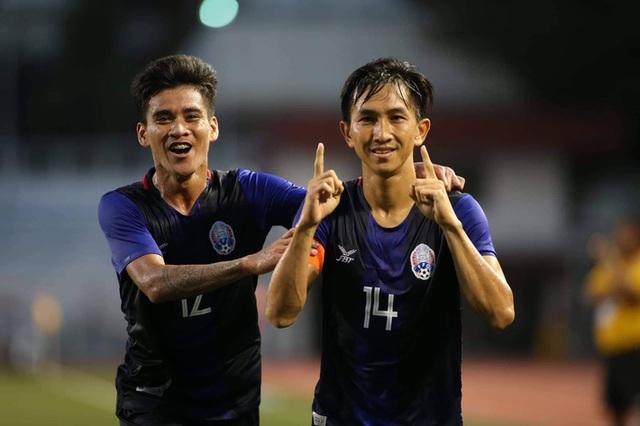 Sao gốc Việt chết đứng trên chấm 11m, Campuchia mất huy chương SEA Games đầy tiếc nuối - Ảnh 2.