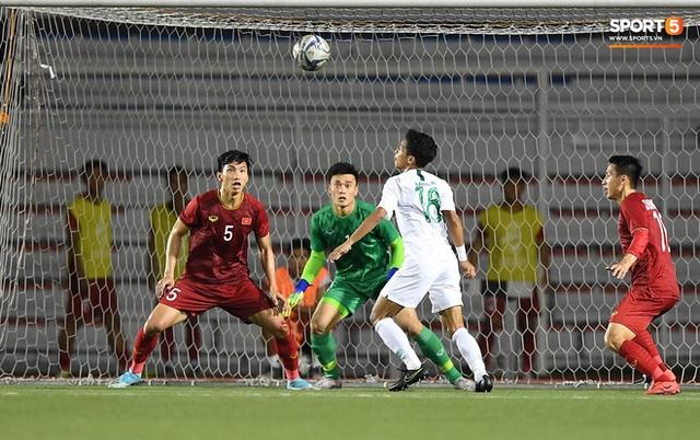 Nhìn lại hình ảnh Văn Hậu máu chảy ròng ròng, Trọng Hoàng toác hai đầu gối để đưa U22 Việt Nam vào chung kết SEA Games 30 - Ảnh 3.