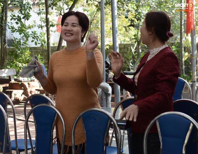 Gia đình thủ môn U22 Việt Nam, Nguyễn Văn Toản nhộn nhịp chuẩn bị cổ vũ trận chung kết SEA Games 30 - Ảnh 7.