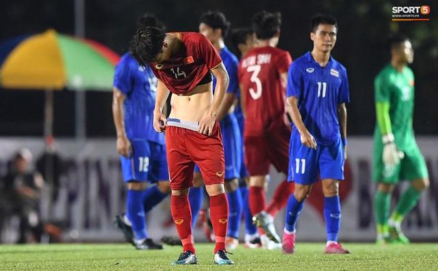 Nhìn lại hình ảnh Văn Hậu máu chảy ròng ròng, Trọng Hoàng toác hai đầu gối để đưa U22 Việt Nam vào chung kết SEA Games 30 - Ảnh 8.