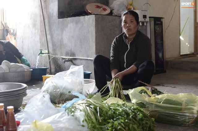 Gia đình thủ môn U22 Việt Nam, Nguyễn Văn Toản nhộn nhịp chuẩn bị cổ vũ trận chung kết SEA Games 30 - Ảnh 9.
