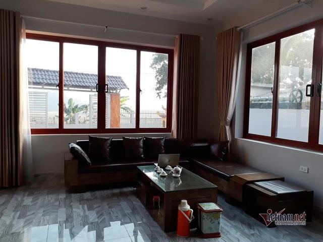 Biệt thự 3 tầng nổi bật giữa vùng núi của gia đình Hà Đức Chinh - Ảnh 3.