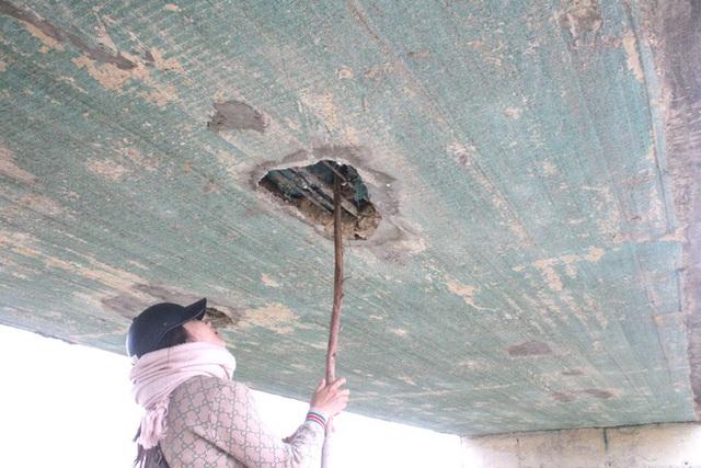 Cận cảnh lớp xốp khổng lồ trong bê tông cây cầu hơn 7 tỷ đồng tại Hà Tĩnh - Ảnh 16.