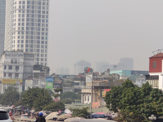 Không khí Hà Nội tiếp tục ở mức ô nhiễm nặng, rất có hại cho sức khỏe - Ảnh 3.