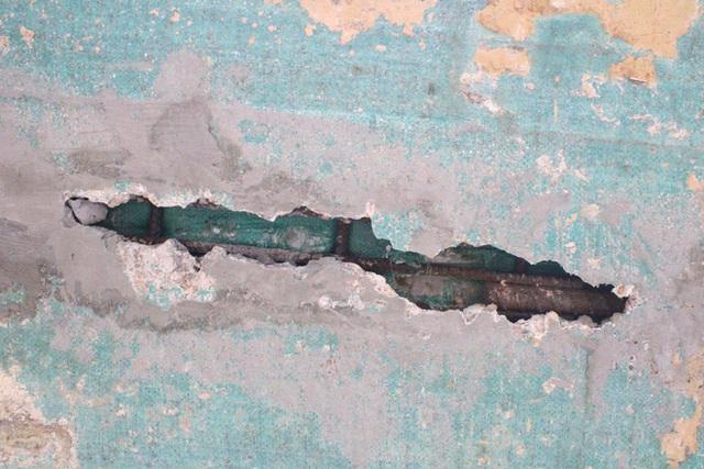 Cận cảnh lớp xốp khổng lồ trong bê tông cây cầu hơn 7 tỷ đồng tại Hà Tĩnh - Ảnh 5.