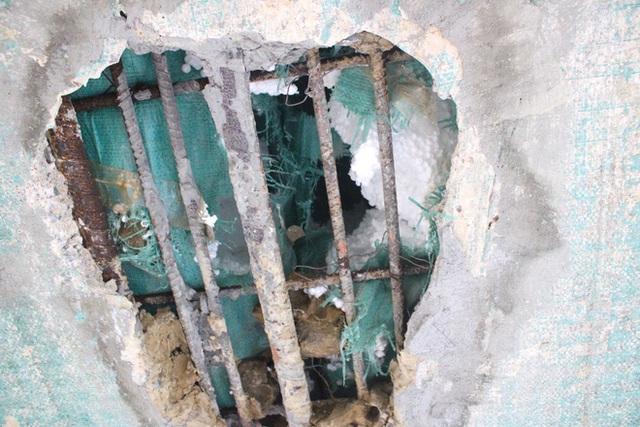 Cận cảnh lớp xốp khổng lồ trong bê tông cây cầu hơn 7 tỷ đồng tại Hà Tĩnh - Ảnh 6.
