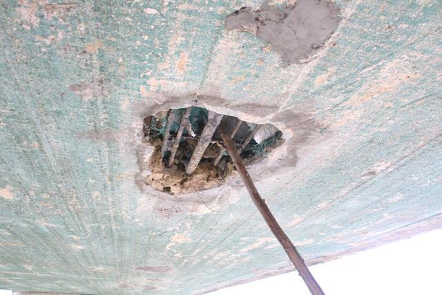 Cận cảnh lớp xốp khổng lồ trong bê tông cây cầu hơn 7 tỷ đồng tại Hà Tĩnh - Ảnh 7.