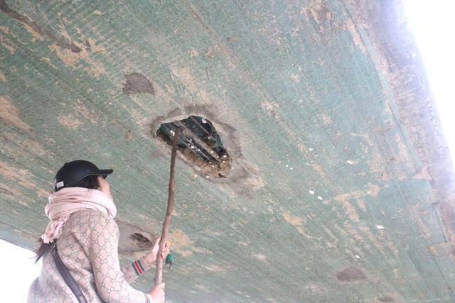 Cận cảnh lớp xốp khổng lồ trong bê tông cây cầu hơn 7 tỷ đồng tại Hà Tĩnh - Ảnh 9.